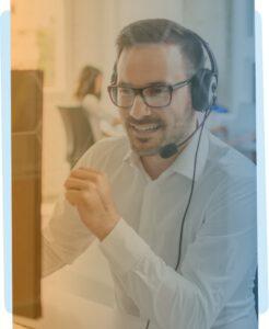 Man aan de telefoon